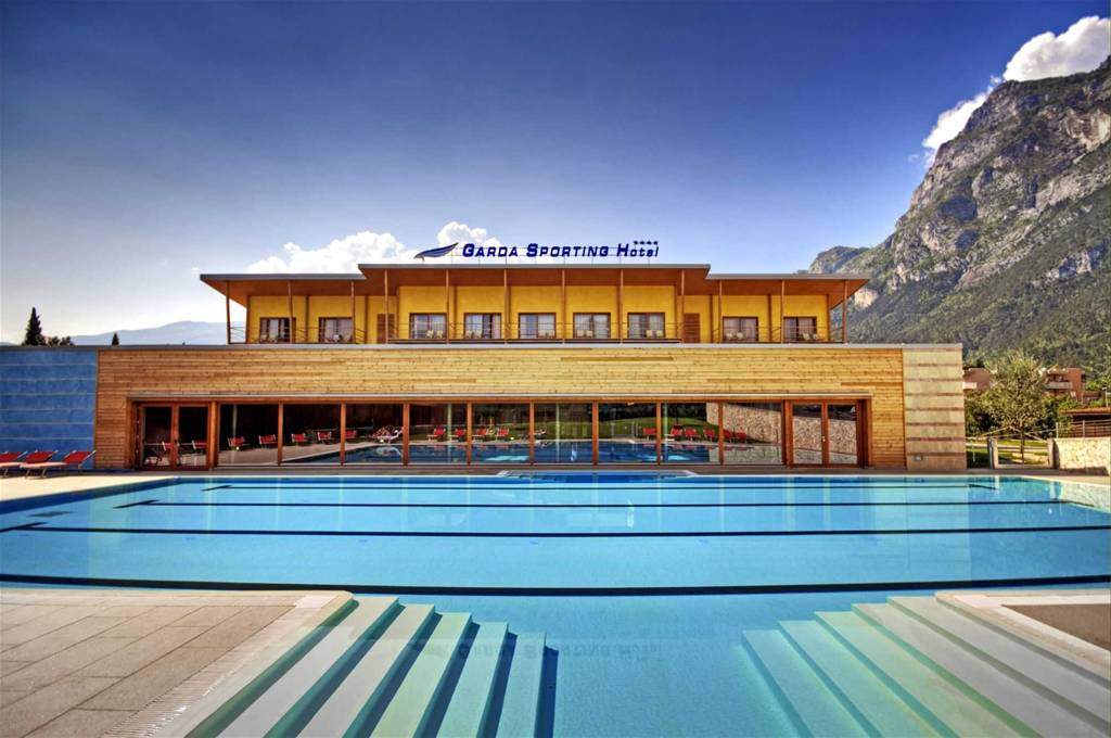 Garda sporting club hotel riva del garda - Hotel con piscina coperta riva del garda ...