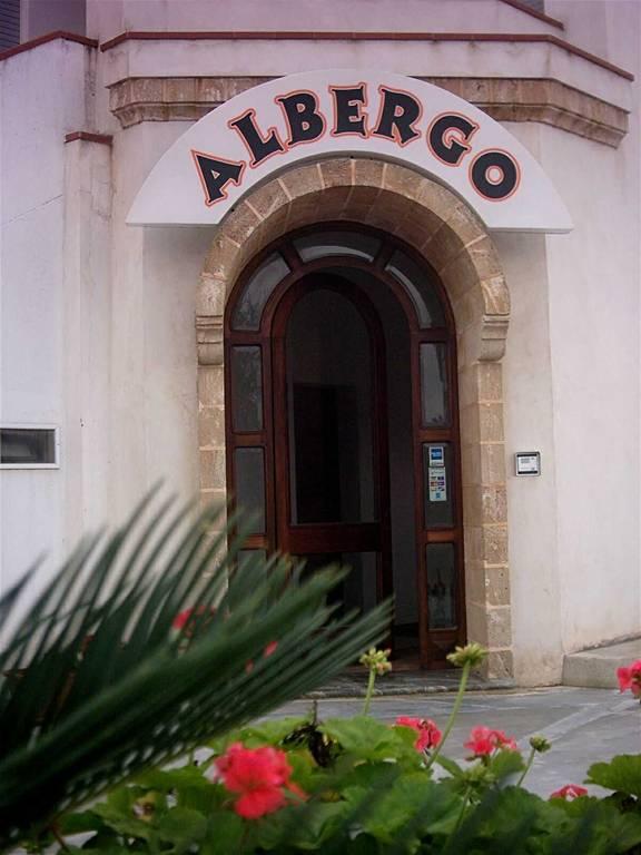 Albergo ristorante pizzeria lucugnano - Albergo diffuso specchia ...