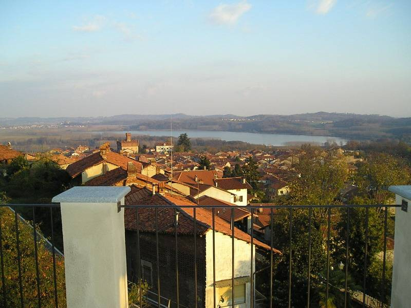 Bed and breakfast la finestra sul lago candia canavese - La finestra sul lago candia ...