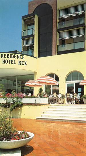 Residence hotel rex cattolica - Residence cattolica con piscina ...