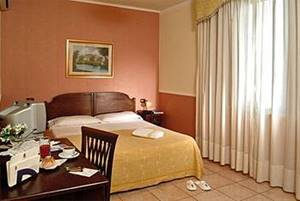 Hotel Carlo Terzo Napoli Contatti