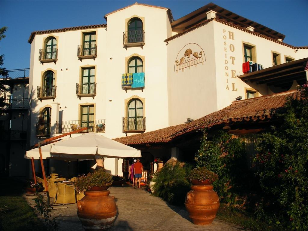 Ristorante Pizzeria La Terrazza E Hotel Poseidonia Ristorante ...