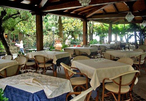 Best Le Terrazze Trevignano Contemporary - Modern Home Design ...